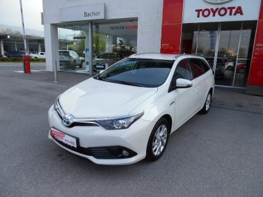 Toyota Auris TS 1,8 VVT-i Hybrid Active bei Auto Bacher GmbH in