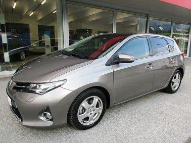 Toyota Auris 1,6 Valvematic Active m. Designpaket u. Xenon bei Auto Bacher GmbH in