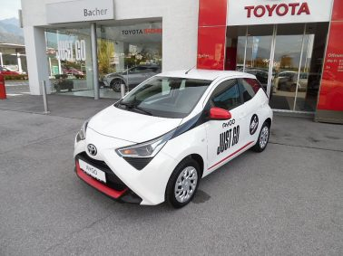 """Toyota Aygo 1,0 VVT-i x-play """"Style Pack Red""""- Dekor Set bei Auto Bacher GmbH in"""