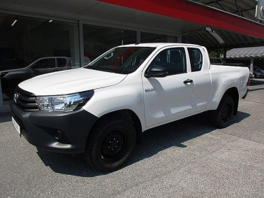 Toyota Hilux 2.4 D-4D X-Tra Cab m. Comfort-Paket Country bei Auto Bacher GmbH in