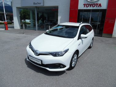 "Toyota Auris TS 1,8 VVT-i Hybrid Active ""ACHTUNG NEU: – Inkl. Winterkompletträder gratis"" bei Auto Bacher GmbH in"