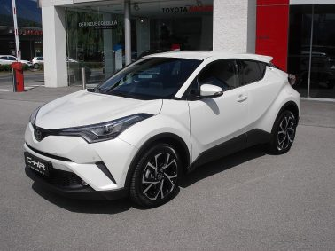 Toyota C-HR 1,2T C-LUB 4WD CVT bei Auto Bacher GmbH in