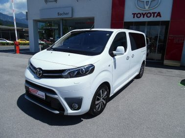 "Toyota Pro Ace Verso 2,0 D-4D 180 Medium VIP Aut. ""Neuwagengarantie noch bis 03.01.2021"" bei Auto Bacher GmbH in"