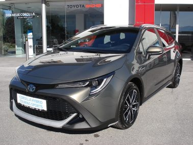 Toyota Corolla Kombi 1,8 Hybrid Style TREK Safety Pack bei Auto Bacher GmbH in