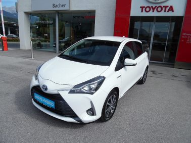"Toyota Yaris 1,5 VVT-i Hybrid Active ""inkl. Design-Paket+ Con."" bei Auto Bacher GmbH in"