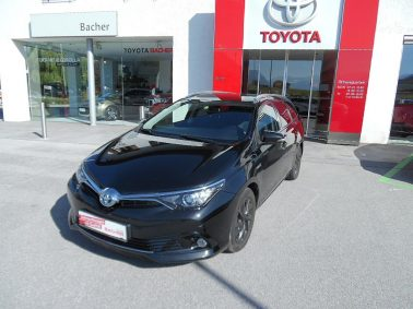 Toyota Auris TS 1,8 VVT-i Hybrid Edition 45 bei Auto Bacher GmbH in