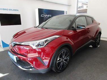 Toyota C-HR 1,8 Hybrid C-LUB CVT m. BITONE Lackierung bei Auto Bacher GmbH in