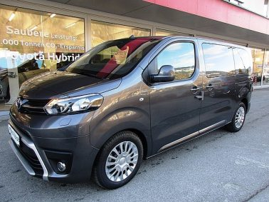 Toyota Proace Verso 2,0 D-4D 150 Medium Family bei Auto Bacher GmbH in