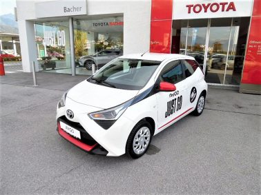 "Toyota Aygo 1,0 VVT-i x-play ""Style Pack Red""- Dekor Set bei Auto Bacher GmbH in"