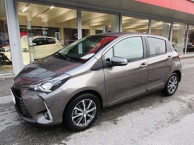 Toyota Yaris 1,0 VVT-i Active m. Design-Paket und Cool & Heat Paket bei Auto Bacher GmbH in