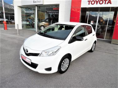 Toyota Yaris 1,0 VVT-i Young bei Auto Bacher GmbH in